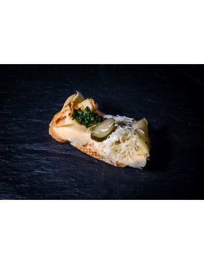 sýrový obložený chlebíček